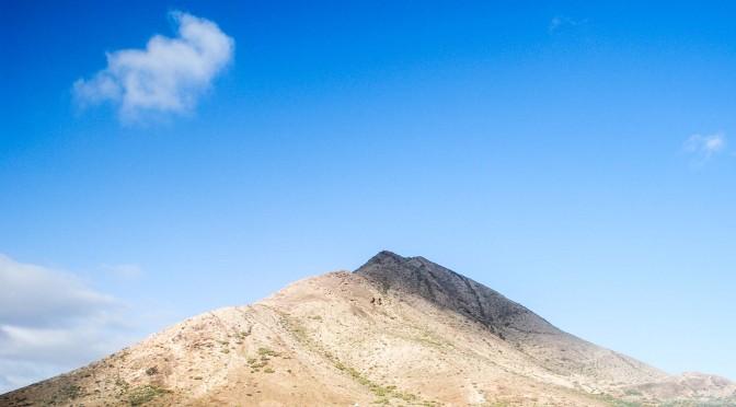 Fuertecharter Excursiones Fuerteventura| Montaña de Tindaya