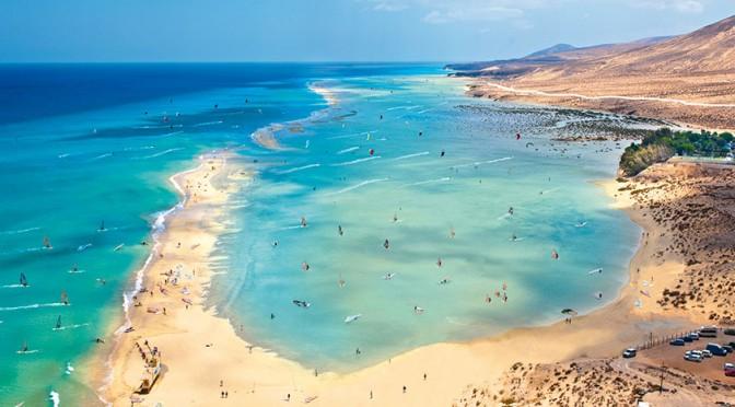 (Español) Tomando el sol sobre millones de conchas marinas: así surgieron las playas de Fuerteventura