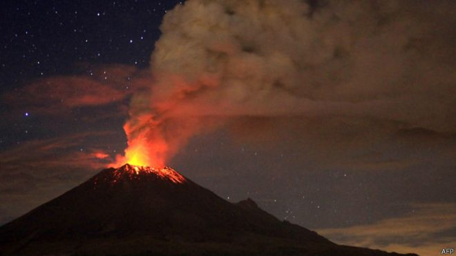 The Canary Islands  and its cycles as volcanic islands